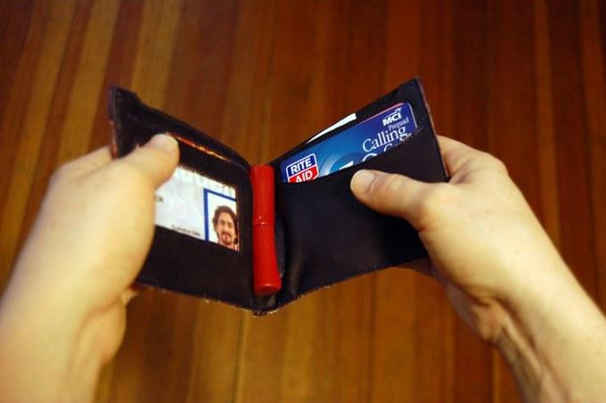 具象化财务信息的钱包:刷卡前,请三思